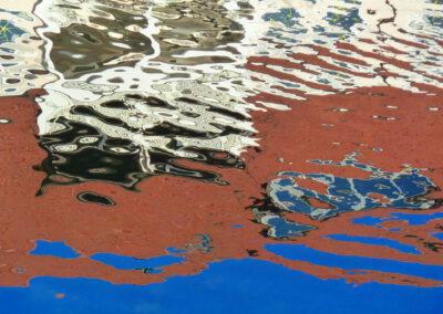 H.P. Götze: Farbspiel im Wasser